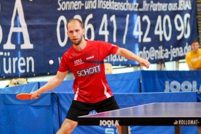 René Wolf blieb in Doppel und beiden Einzeln siegreich!